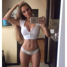 20 things women with flat abs do