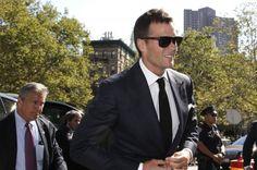 Watch New England Patriots QB Tom Brady mock Deflategate in new Foot Locker ad