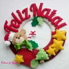 Christmas Wreaths, Christmas Crafts, Christmas Decorations, Xmas, Felt Banner, Felt Dolls, Kebaya, Christmas Inspiration, Felt Crafts