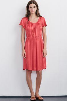 4d3f233afbde2 VELVET By Graham  amp  Spencer Laurela Satin Viscose Short Sleeve Dress Red  S  128