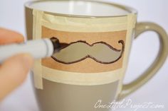 good, clean DIY Sharpie Mustache Mugs Tutorial (use with any design?)A good, clean DIY Sharpie Mustache Mugs Tutorial (use with any design? Sharpie Projects, Sharpie Crafts, Sharpie Pens, Diy Sharpie Mug, Sharpies, Sharpie Mug Designs, Homemade Gifts, Diy Gifts, Gifts
