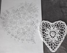 Crochet Doilies, Crochet Stitches, Crochet Patterns, Crochet Circles, Heart Patterns, Gourds, Quilling, Dream Catcher, Valentines Day