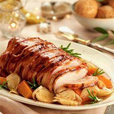 Lomo de cerdo con beicon al brandy - Fırın yemekleri - Las recetas más prácticas y fáciles Pork Recipes, Cooking Recipes, Healthy Recipes, Cooking Games, Pork Roulade, Meat Cooking Times, Lunches And Dinners, Meals, My Favorite Food