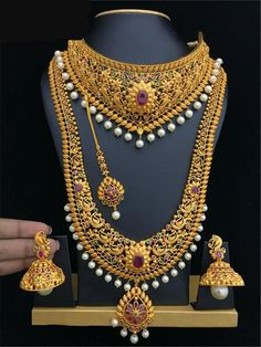 bridal sets & bridesmaid jewelry sets – a complete bridal look South Indian Bridal Jewellery, Indian Jewelry Sets, Indian Wedding Jewelry, Bridal Necklace Set, Bridal Earrings, Gold Jewellery Design, Gold Jewelry, Gold Necklaces, Diamond Jewelry