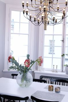 Svenskt Tenn vase, Flos chandelier Home Board, Room Lights, Interior Design Inspiration, Kitchen Interior, Vase, Interior Decorating, Sweet Home, New Homes, Living Room