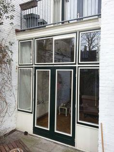Achterfront voorzien van dubbelglas. Windows, Seeds, Ramen, Window