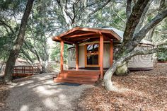 23 Best Glamping in California (2021) 25 Santa Monica Mountains, Yucca Valley, Go Glamping, Three Rivers, Castle House, Monterey Bay, Peaceful Places, Walk In Shower, Big Sur