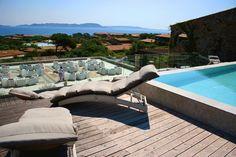 Valle Dell'Erica ©oovatu Cagliari, Outdoor Furniture, Outdoor Decor, Sun Lounger, Home Decor, Chaise Longue, Homemade Home Decor, Decoration Home, Yard Furniture