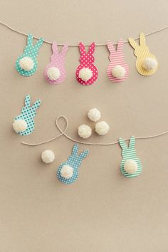 Pom Pom Bunny Tail Easter Garland