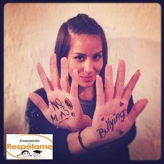 Denise Rosenthal, apoyando la campaña No Más Bullying Faces