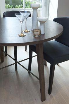 http://www.loveinteriors.co.uk/ #diningroom bespoke #lovedetail dining table