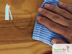 Wasserflecken auf Holz mit Zahnpasta reinigen. Zahncreme im Haushalt nutzen, 18 überraschende Tricks.