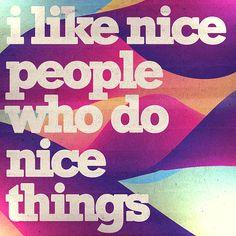 Be nice. Og fuld af farver. http://thewildpony.com/2012/01/icanread/