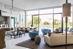 See how a fleet of talented designers dramatically remade a Palm Springs, California estate.