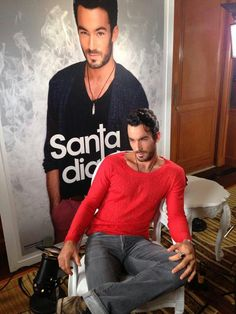 Aaron Diaz!! En la nueva novela Santa Diabla