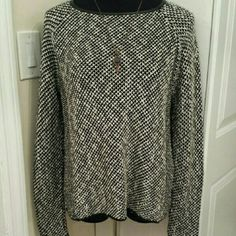 NWOT Zara Knit Leather Trim Sweater Comfortable and casual Zara sweater with faux leather trim around hem and neckline. Great for spring wear, pair with a midi skirt or tulle skirt or even dark jeans. In excellent condition, never worn. Zara Sweaters Crew & Scoop Necks