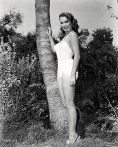 "Julia Adams, born 1926 Julie Adams: born Betty May Adams 17 October Waterloo Iowa; Miss Little Rock on screen 1949 – including ""Creature from the Black Lagoon"" – as Julia Adams); ""The Jimmy Stewart Show"" (TV ""Murder. Julie Adams, Vintage Hollywood, Classic Hollywood, Hollywood Actresses, Actors & Actresses, Stephane Audran, Famous Monsters, Classic Horror Movies, Black Lagoon"