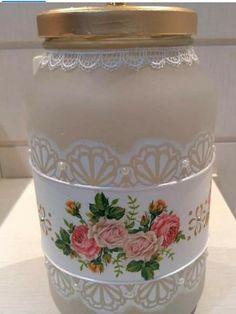 Decoupage Jars, Decoupage Vintage, Glass Bottle Crafts, Bottle Art, Bottles And Jars, Glass Bottles, Mason Jar Gifts, Mason Jars, Jar Crafts