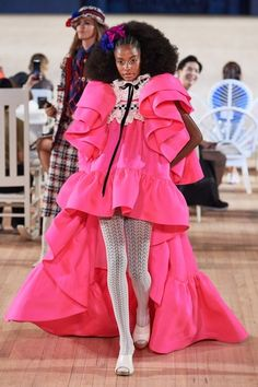 Marc Jacobs Spring 2020 Ready-to-Wear Fashion Show - Vogue Couture Fashion, Runway Fashion, Spring Fashion, Autumn Fashion, Fashion Fashion, Street Fashion, Fashion Outfits, Modern Fashion, Fall Outfits