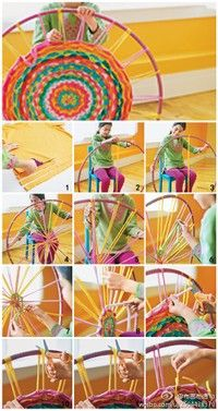 Weaving with a hula hoop; use a stripped sheet or other cotton fabric strips; find a smaller hula hoop; cut notches for base strips to stay in place; No more hour-glass weaving projects! -use old T shirts Hula Hoop Tapis, Hula Hoop Rug, Hula Hoop Weaving, Straw Weaving, Pin Weaving, Finger Weaving, Weaving For Kids, Loom Weaving, Kids Crafts