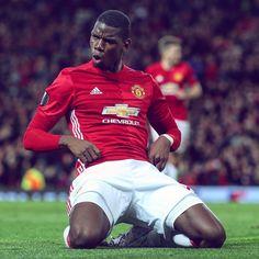 Man Like Pogba was on his job tonight! Even scored a cracker. That's more like it mate Paul Pogba Manchester United, Manchester United Players, Man Utd Fc, George Burns, Premier League Champions, Europa League, Man United, Football Team, Soccer