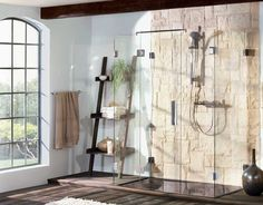 Sklenená sprcha so špičkovými kovaniami PONTERE vynikajúcej nemeckej kvality. Vhodné pre výklenkové, rohové, 5 uholníkové, U sprchy, vane alebo špeciálne riešenia.
