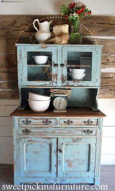 классный блог по работе с красками Sweet Pickins Furniture - Sherwin Williams Copen Blue