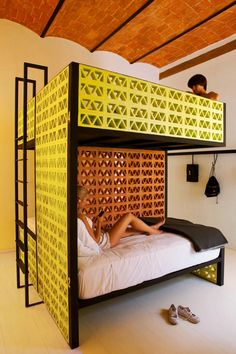 """Not Your Average Hostels, featuring """"Downtown Beds"""", Mexico City"""