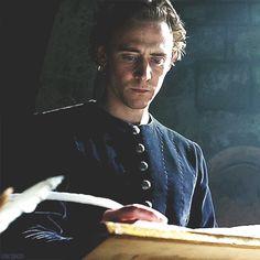 Tom Hiddleston  Source: http://stacyjacks.tumblr.com/post/27355293238