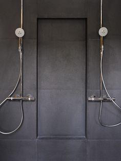 Large tile, dark grey #Asuntomessut2014 Kohde 7 - Rekoolikatu 7