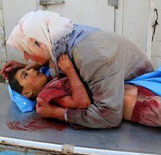 """¿Qué esperas humano que no das ayuda? ¿Esperas que miles de niños acaben muriendo? Ya basta, nosotros y las guerras, nosotros: """"los grandes"""", nosotros los estúpidos que pelean por religión, que no es más que sumisión y terror, nosotros que no respetamos donde empieza y menos donde acaba la libertad del otro. Deja de hacer correr sangre inocente y lava tu cerebro.   Conflicto Gaza."""