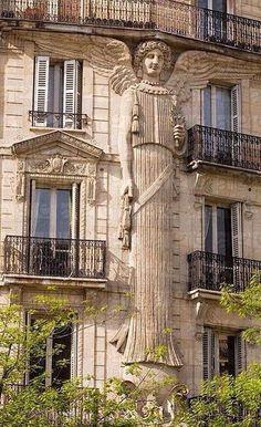Art Deco Angel Detail at Rue Réaumur Paris France . Art Et Architecture, Beautiful Architecture, Beautiful Buildings, Architecture Details, Beautiful Places, Simply Beautiful, Residential Architecture, Art Nouveau, Art Deco