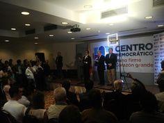 älvaro Uribe, Oscar Iván Zuluaga y Carlos Holmes Trujillo ayer en rueda de prensa