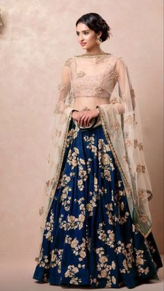 Unique Bridal Lehenga designs that is every Bride's pick in Wedding Dresses Short Bride, Indian Wedding Outfits, Bridal Outfits, Short Dresses, Trendy Wedding, Short Skirts, Backless Wedding, Dressy Dresses, Stylish Dresses
