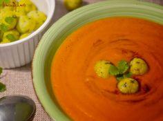 Rajská polévka s polento-bazalkovými noky Polenta, Hummus, Thai Red Curry, Ethnic Recipes, Food, Meals, Yemek, Eten