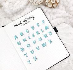 🇺🇸 Comment your favorite color with emojis! This was requested a lot! effect alphabet!how to do a simple effect for your bullet journal spreads. Perfect for titles and headers!✨ Handwriting ✨ Thanks to Bullet Journal Headers, Journal Fonts, Bullet Journal Aesthetic, Bullet Journal Notebook, Bullet Journal Ideas Pages, Bullet Journal Spread, Bullet Journal Layout, Bullet Journal Inspiration, Kalender Design
