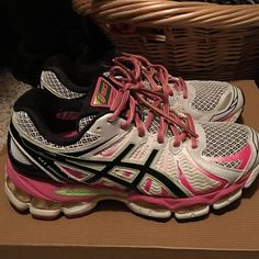 ASIC gel-nimbus Worn twice, just a little too big. Great shape Shoes Sneakers