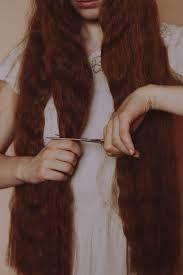 「cutting own hair」の画像検索結果