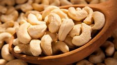 HEALTH BENEFITS OF EATING CASHEW NUTS