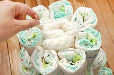 COOL IDEAS: HOW TO MAKE DIAPER CAKE FOR BABY SHOWER