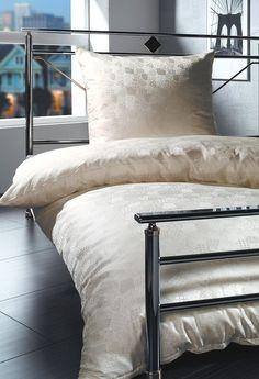 silk-bedding-cellini-design-seidenbettwaesche-090 #Silk bedsheet and duvet cover made in Germany by #Cellini Design. #Seidenbettwäsche aus reiner #Seide von #Spinnhütte Cellini Design aus Deutschland.