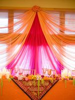 Great backdrop idea - could use orange and black plastic table cloths for Cs Bday.