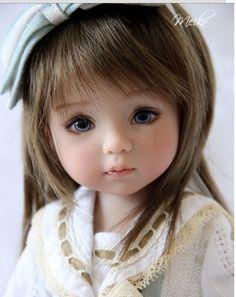sweet faced art doll                                                                                                                                                                                 Más