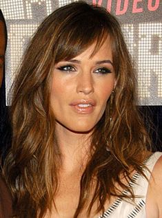 Jennifer Garner Bangs. hair-body-nails