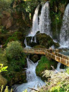 Cachoeira na província de Sivas - Turquia