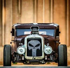 Love the Punisher skull in the grille
