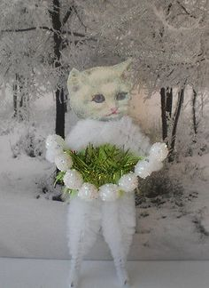 WHITE-CAT-w-her-Snowball-Garland-Vintage-Style-CHRISTMAS-Chenille-Ornaments