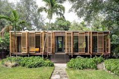 Casal constrói sua casa com as próprias mãos