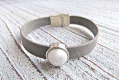 Bracelet leather gray mat with Zamak pearl white by Charmecharmant