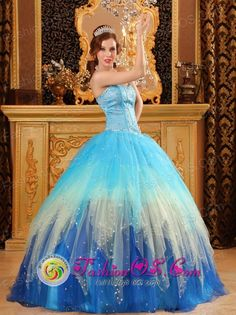 Where to buy glow in the dark 15 dresses quinceanera dresses? New Quinceanera Dresses offers cheap glow in the dark 15 dresses gowns, 2020 glow in the dark 15 dresses at wholesale price. Sweet Sixteen Dresses, Sweet 15 Dresses, Dresses Elegant, Pretty Dresses, Cheap Quinceanera Dresses, Cheap Dresses, Dresses 2013, Puffy Dresses, Quinceanera Party